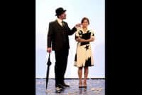 """Erik Satie tire l'oreille d'Anna dans """"Je m'appelle Erik Satie comme tout le monde"""""""